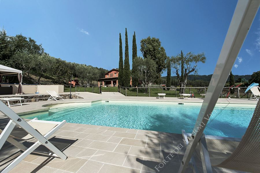 Villa  affitto vendita con piscina Versilia Detached villa  to rent  Camaiore