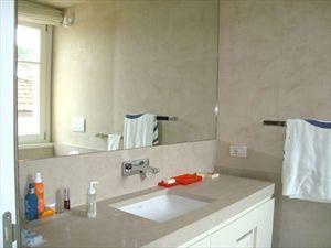 Bifamiliare Nettuno : Bathroom