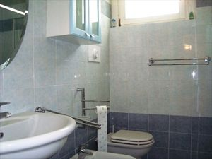 Appartamento Marina Est : Bathroom with shower