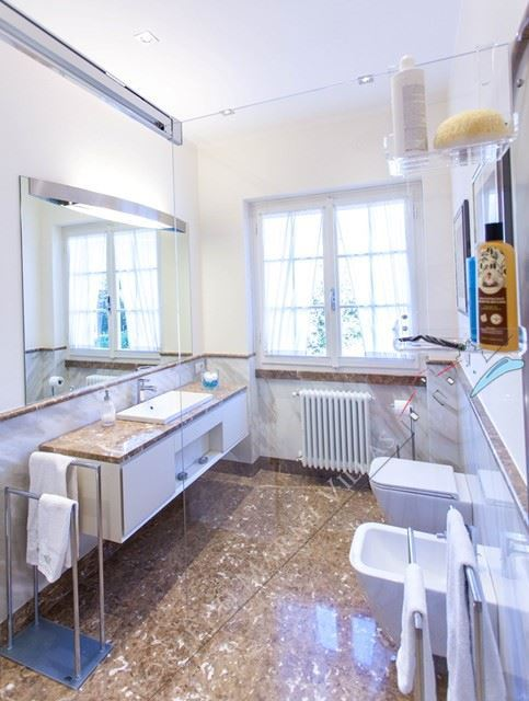 Villa Marina  : Bathroom with shower