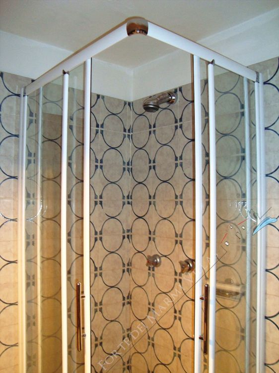 Appartamento Corallina : Bathroom with shower