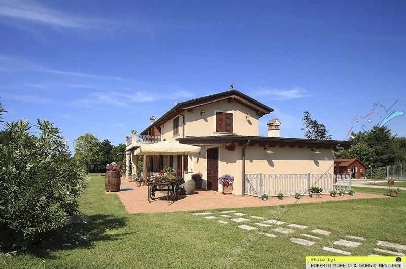 Villa Clooney  : Outside view