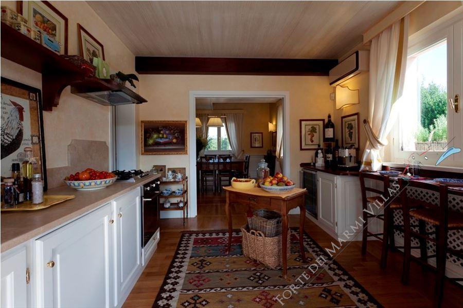 Villa Lorenza  : Kitchen
