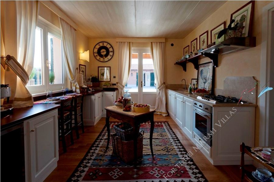 Villa Lorenza  : Kitchen