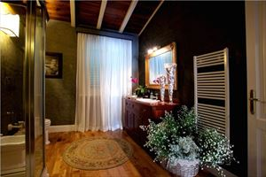 Villa Lorenza  : Bathroom with shower