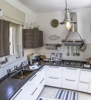 Villa La Riva : Kitchen