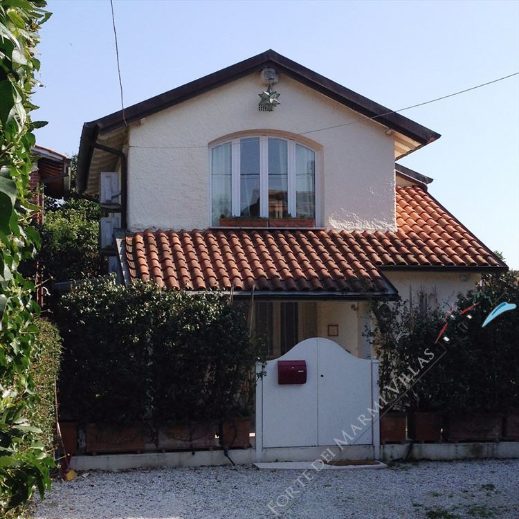 Cottage vaiana villa singola forte dei marmi for Piani architettonici di cottage
