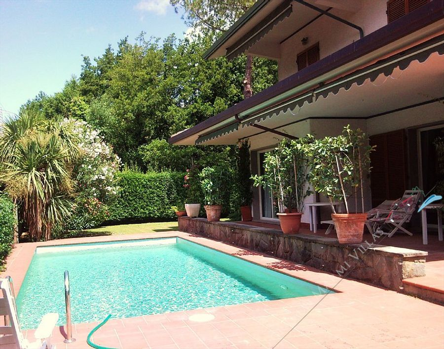 Villa Classic  detached villa to rent and for sale Forte dei Marmi