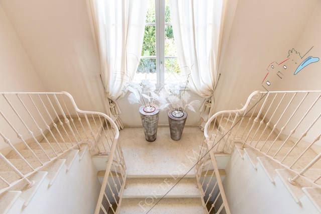 Villa Gucci : Scale di marmo