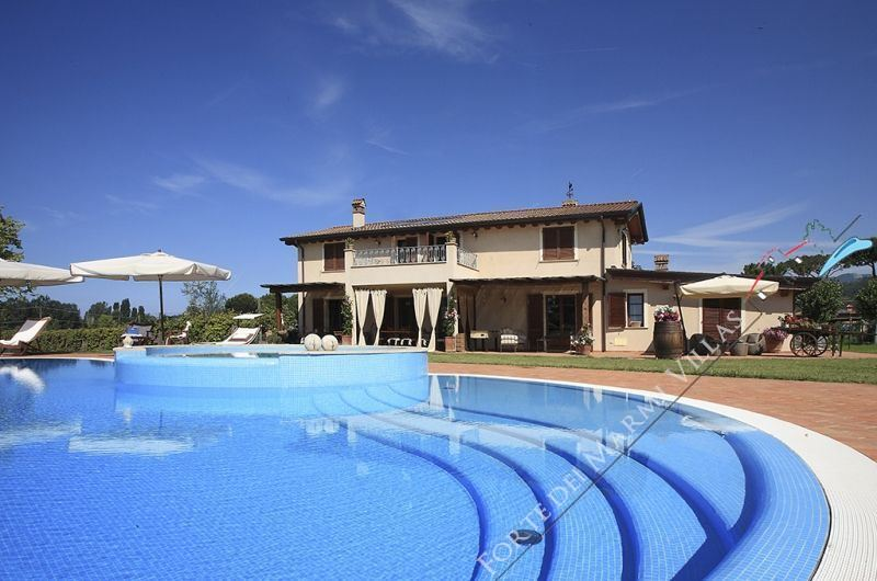 Villa Clooney  detached villa to rent and for sale Marina di Pietrasanta