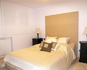 Villa Ronchi Beach  : спальня с двуспальной кроватью