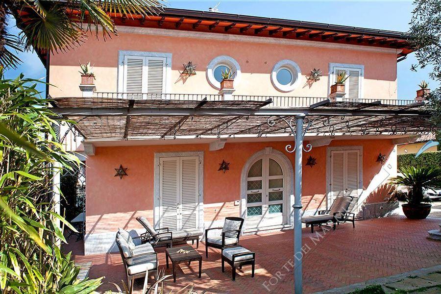 Villa Belfiore  Отдельная вилла  в аренду  Форте дей Марми