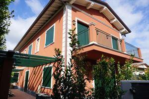 Villa Scarlett : Outside view