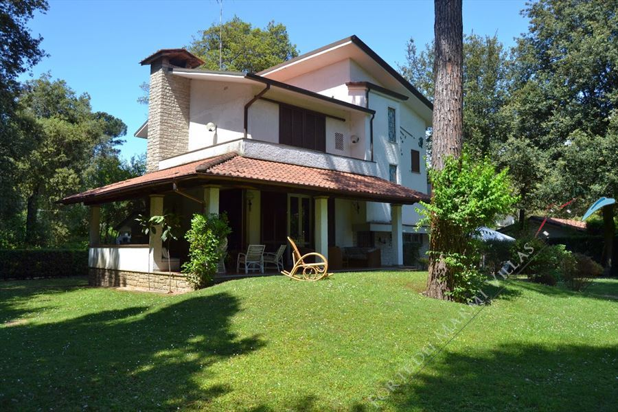 Villa Eva Detached villa  to rent  Marina di Pietrasanta