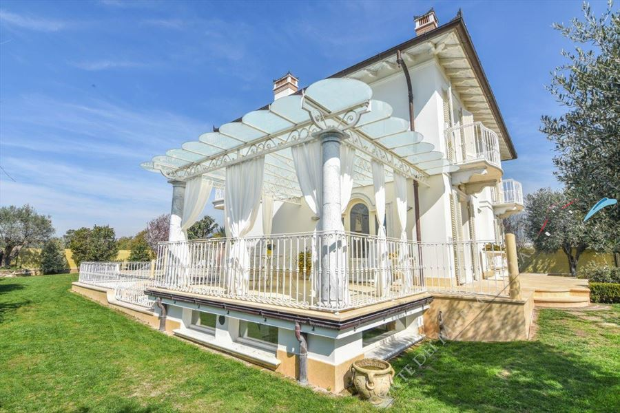 Villa Orchidea : Outside view
