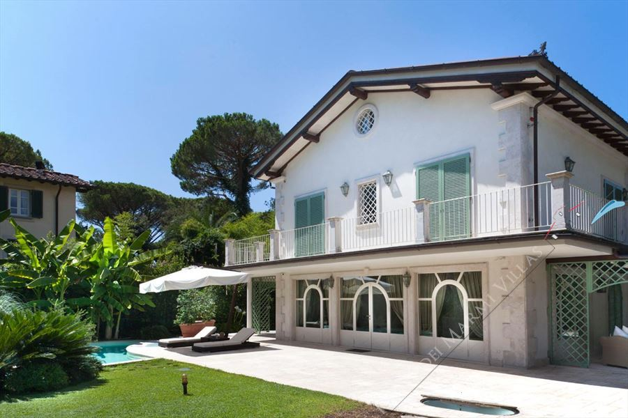 Villa Luminor detached villa to rent and for sale Forte dei Marmi
