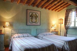 Villa  Golf  Versilia  : спальня с двумя кроватями