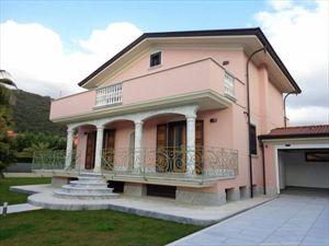 Villa dei Peschi