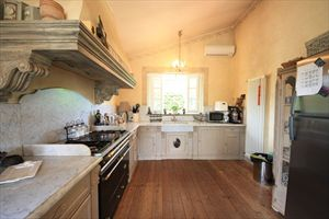 Villa dei Fiori : Кухня