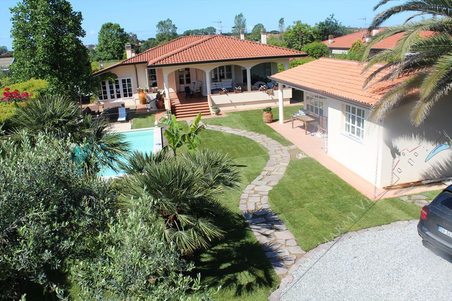 Villa dei Fiori Detached villa  for sale  Lido di Camaiore