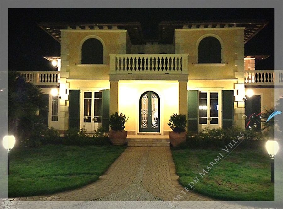 Villa Dominus  : Outside view