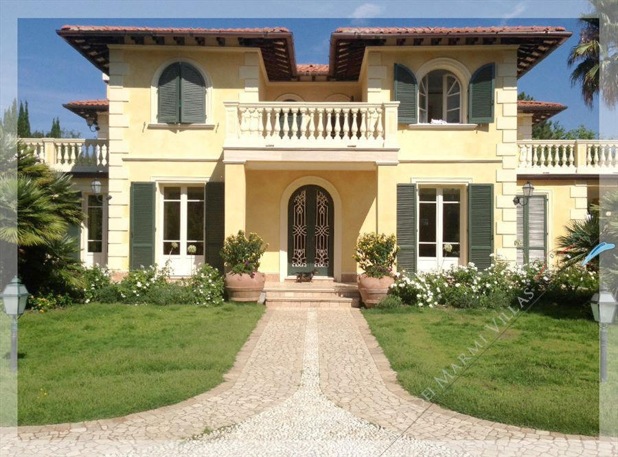 Villa Dominus  : Outside view