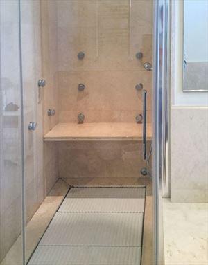 Villa Twiga : Bagno con doccia