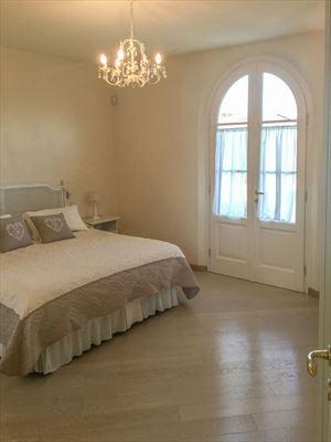 Villa Twiga : спальня с двуспальной кроватью