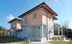 Villa Genziana villa bifamiliare in vendita Tonfano Marina di Pietrasanta