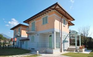 Villa Genziana : БифамильяреМарина ди Пьетрасанта