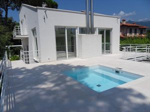 Villa Lucente   : detached villa to rent and for sale  Forte dei Marmi