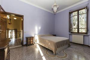 Villa  Liberty Pietrasanta  : Camera matrimoniale