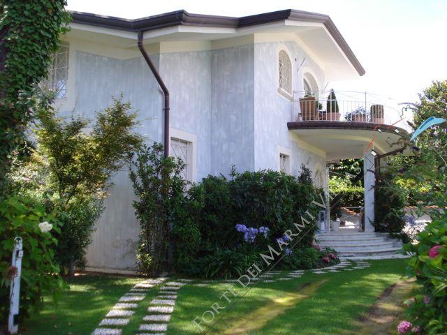 Villa Mareblu villa bifamiliare in affitto e vendita Forte dei Marmi
