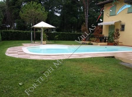 Villa Versiliana  detached villa to rent Forte dei Marmi