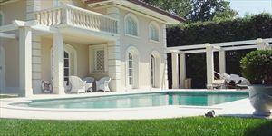 Villa  Costes con dependance : Отдельная вилла Форте дей Марми