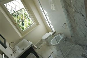 Villa Scarlett : Bathroom