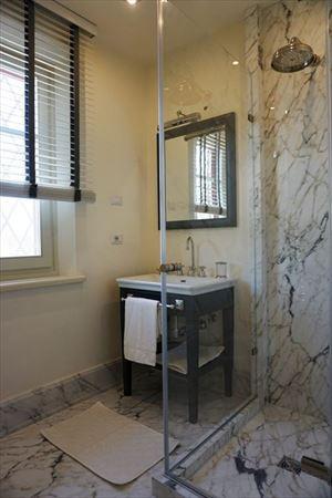 Villa Scarlett : Bathroom