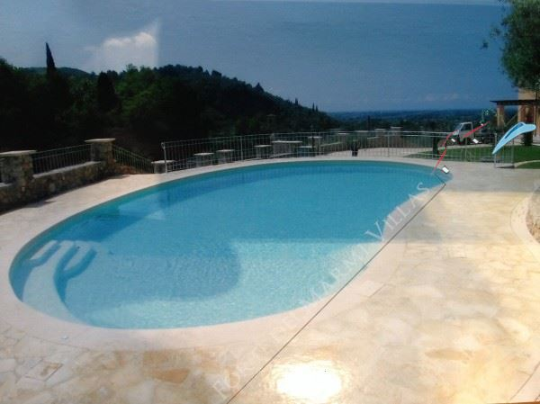Villa Romanica  detached villa to rent and for sale Pietrasanta