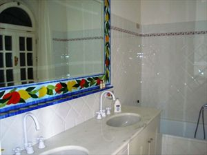 Villa Vista Mare luxury  : Bathroom