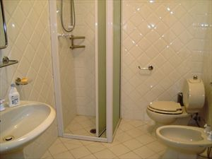 Villa Vista Mare luxury  : Bathroom with shower