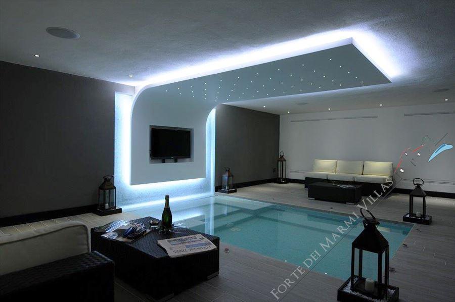 Villa Monet : Heated swimming pool