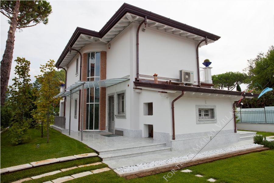 Villa Cipresso   : Outside view