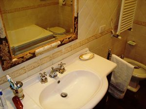 Villa Hibiscus : Bagno con vasca