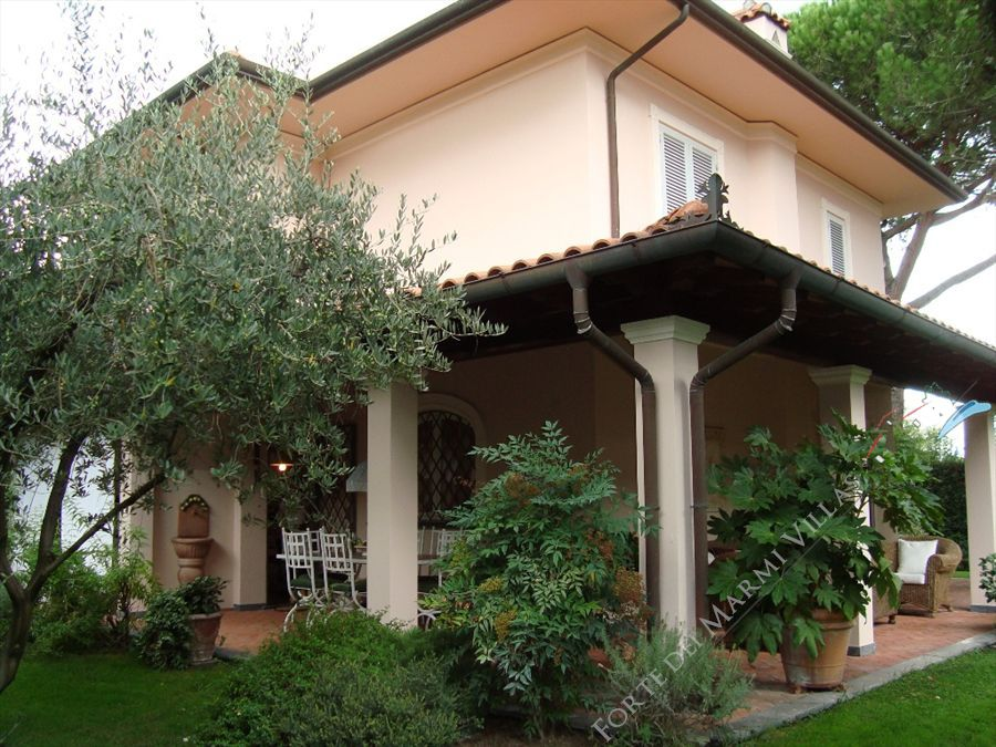 Villa Hibiscus : Outside view