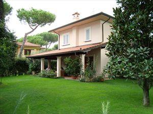 Villa Hibiscus : Отдельная виллаМарина ди Пьетрасанта