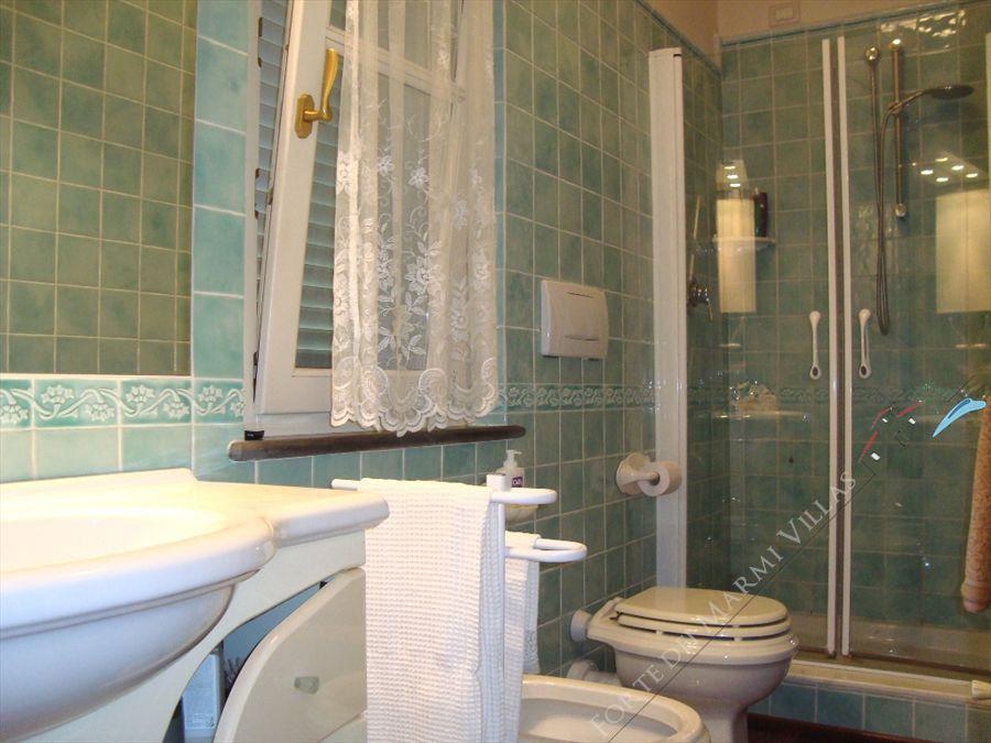 Villa Hibiscus : Bagno con doccia