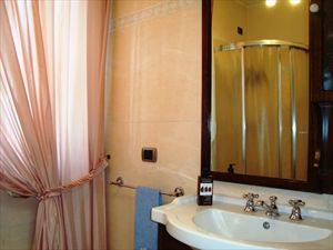Villa Margherita : Bathroom with shower