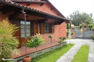 Villa Caranna: Semi detached villa Forte dei Marmi