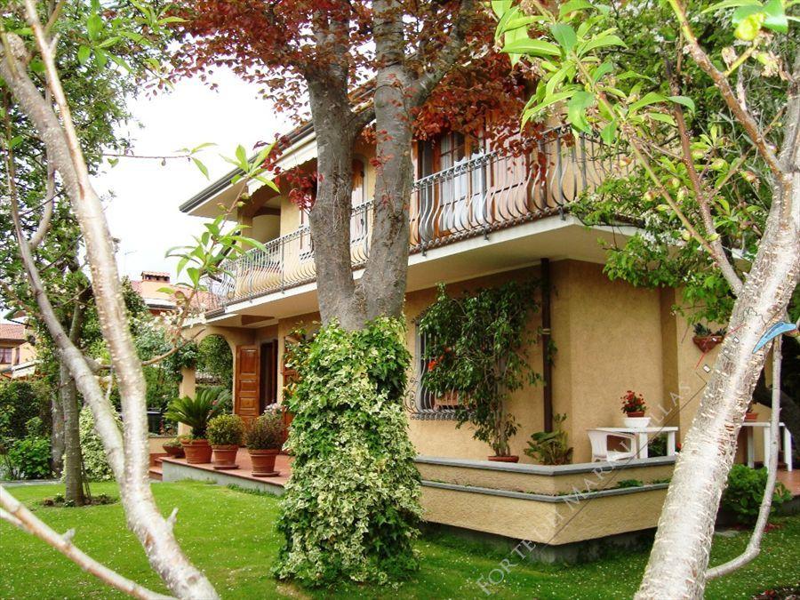 Villa dei Limoni Отдельная вилла Аренда Форте дей Марми