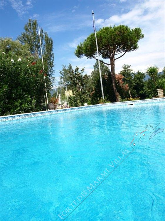 Villa del Duca detached villa to rent and for sale Forte dei Marmi